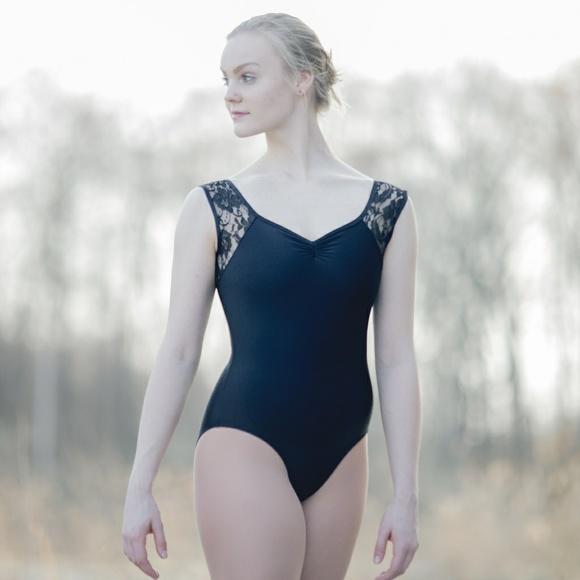 8012f36fe7 Women Ballet Dance Leotard Bodysuit